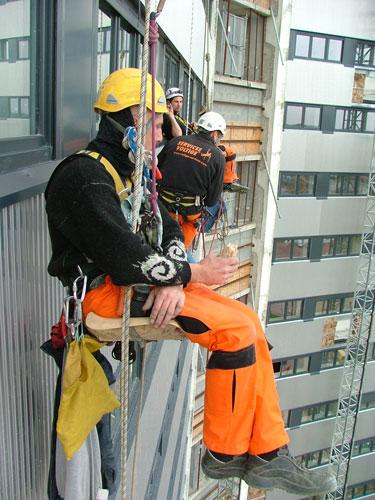 Services voltige travaux acrobatiques en hauteur sur cordes et en nacelle presentation - Porter plainte pour travaux non effectues ...